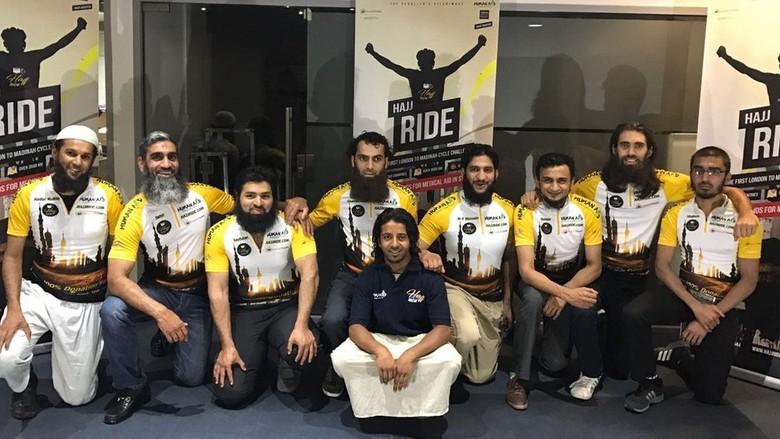 8 Muslim Inggris Akan Naik Haji dengan Bersepeda 5 Minggu