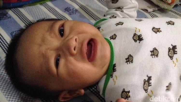 Jangan Khawatir, Bayi ASI Lebih Sering Rewel Itu Wajar