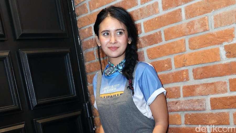 Ayushita Manis Banget Sih!