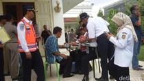 Petugas Gabungan Gelar Razia Taksi Online di Yogyakarta
