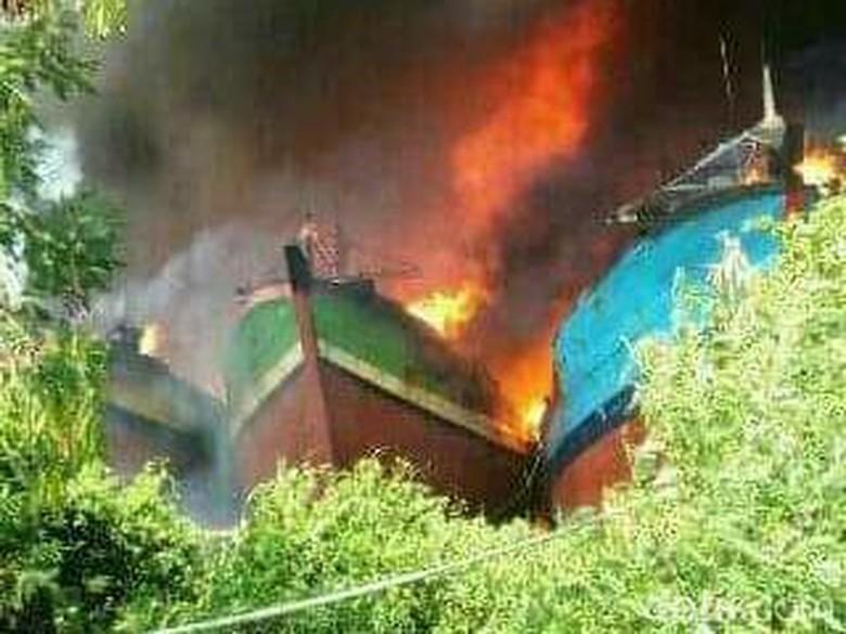 Polisi: Ada 14 Kapal yang Terbakar di Pati