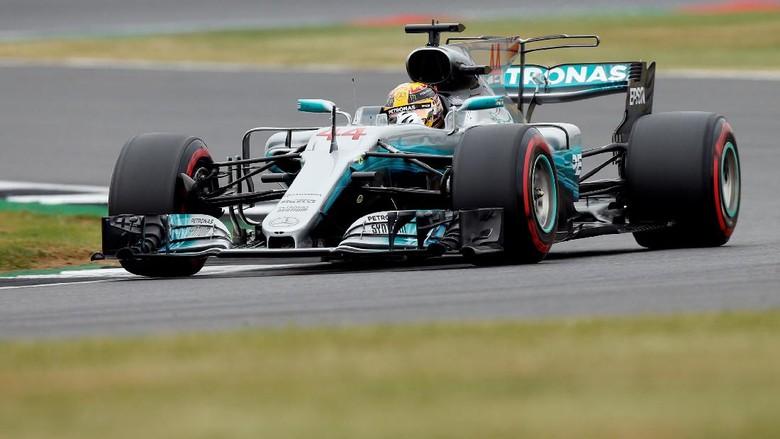 Kalahkan Vettel, Hamilton Tercepat di Latihan Ketiga