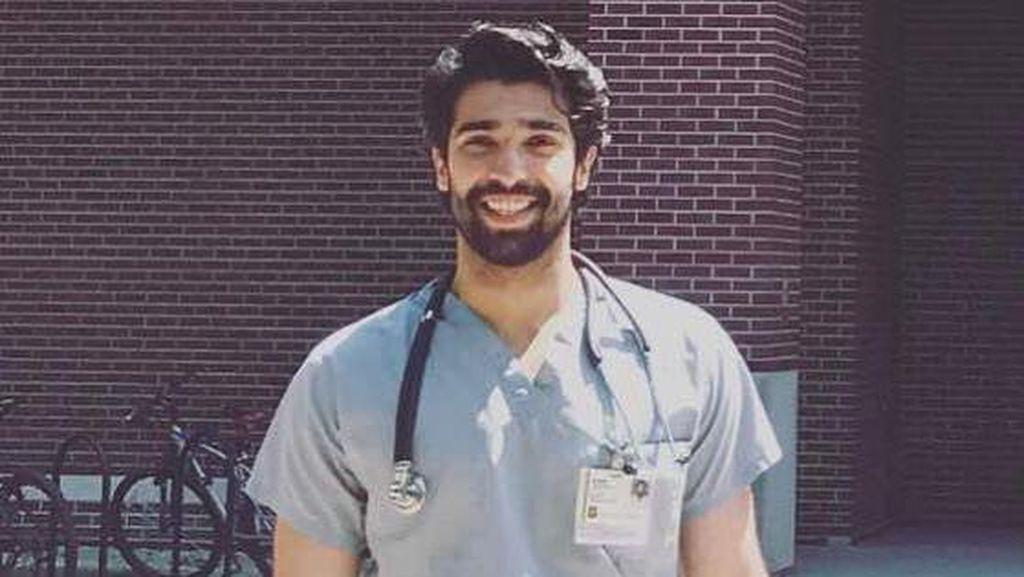 Kenalkan! Ini Rehan, Dokter Ganteng Asal Pakistan yang Hobi Main Bola
