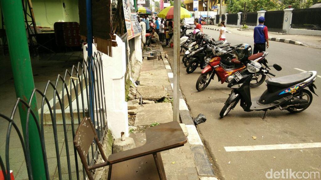Bagaimana Standarisasi Pembangunan Trotoar di Jakarta?