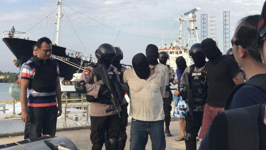 5 Kru Kapal Pengangkut 1 Ton Sabu Dibawa ke Jakarta