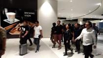 Dikawal Ketat, 5 Penyelundup Sabu 1 Ton Dibawa ke Polda Metro Jaya