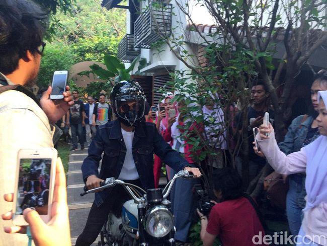 Perankan Dilan, Iqbaal 'CJR' Jadi Anak Motor