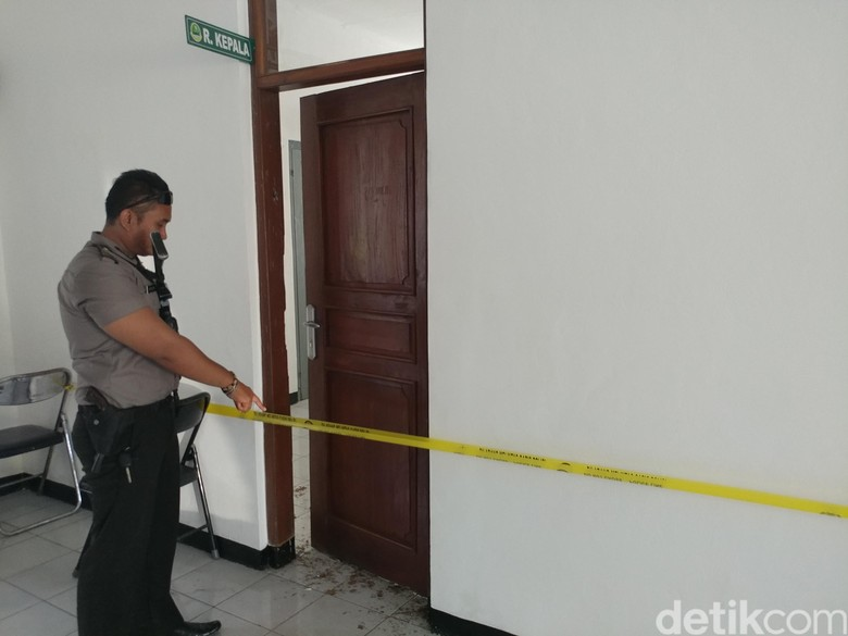 Kantor Balai Pendidikan Jabar di Cirebon Dirusak Puluhan Orang