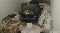 Polisi Bongkar Gudang Penyimpanan Pil Ilegal di Gowa
