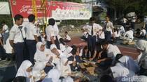 Bukan Zaman Perploncoan! Siswa Baru di Semarang Diajari Membatik