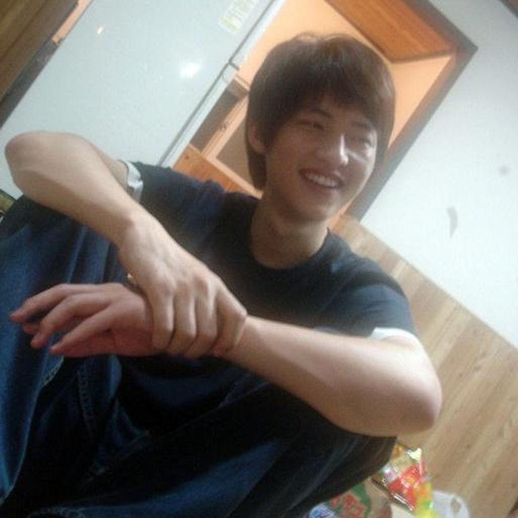 Ini Foto-foto Song Joong Ki saat Kuliah, Imut Banget!