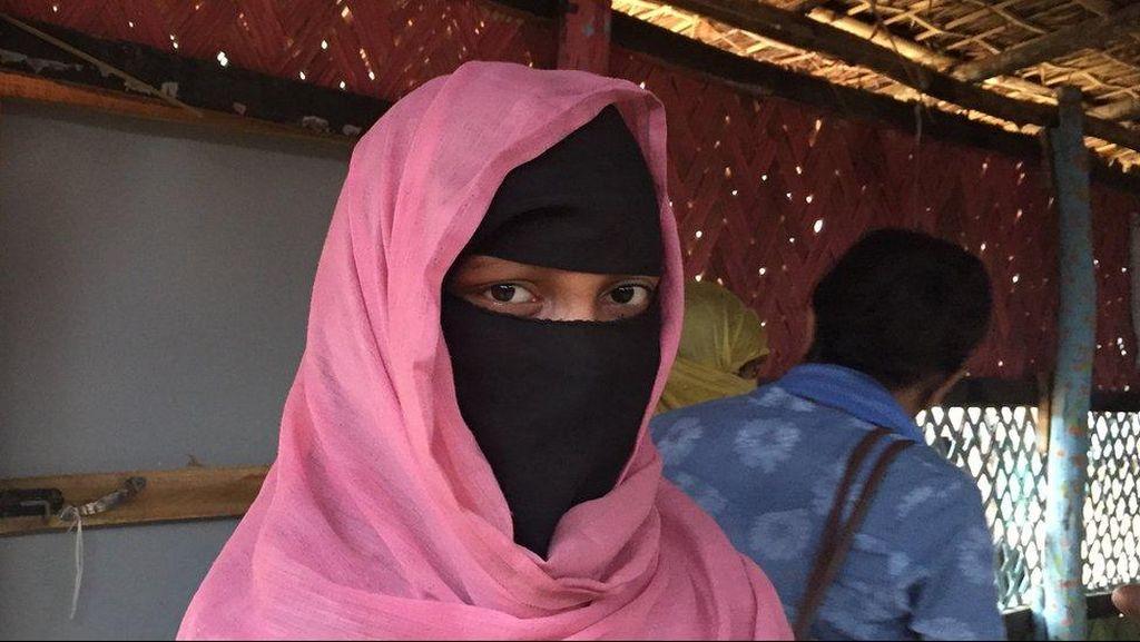 Anak-anak Muslim Rohingya Kehilangan Orang Tua