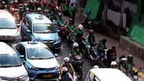 Polisi Usir Ojek Online yang Mangkal di Jalan Casablanca