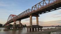 Jembatan Kahayan Melintas di Atas Sungai Terbesar Palangka Raya