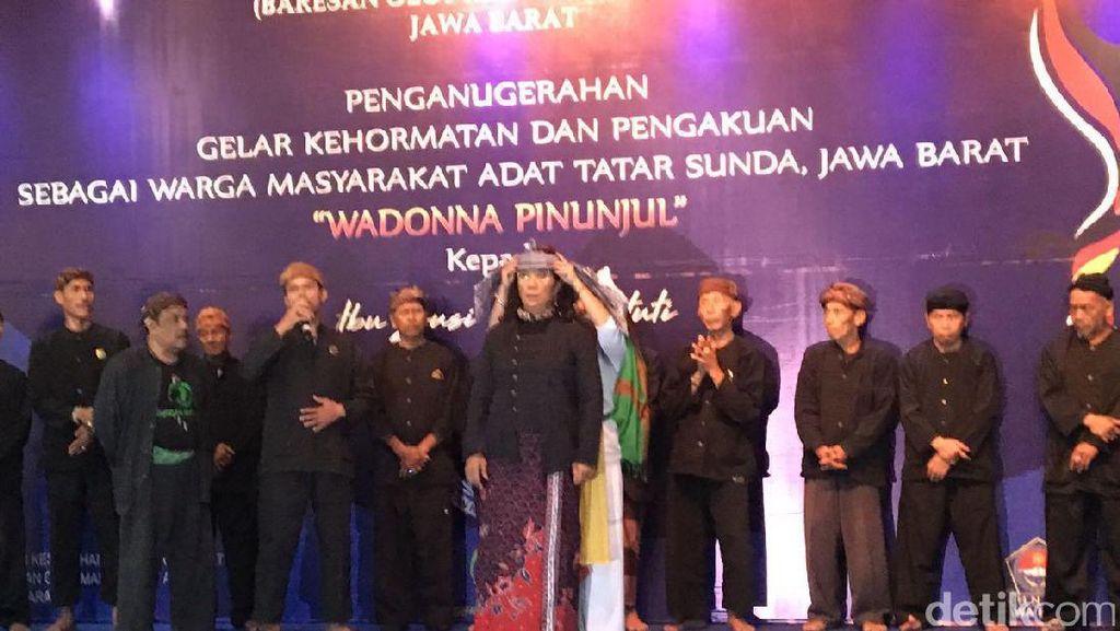 Terima Gelar Adat Sunda, Susi: Maaf Bahasa Sunda Saya Kasar