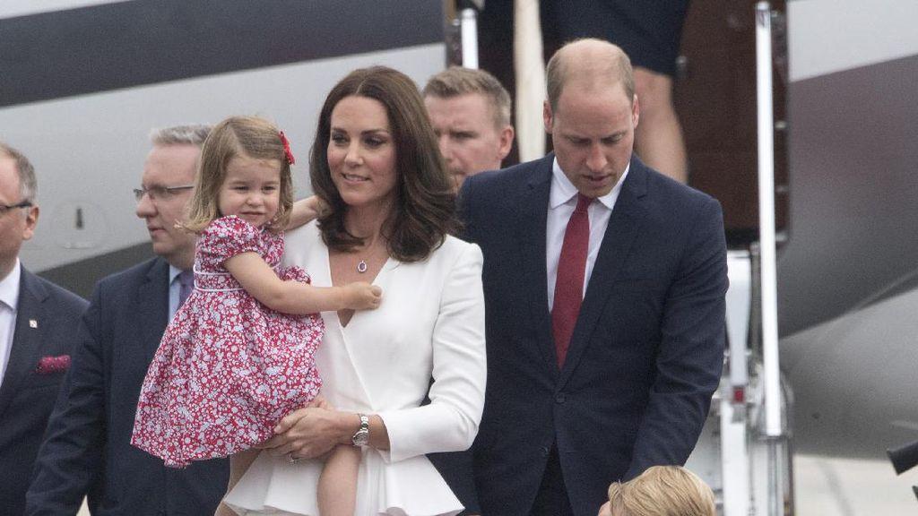 Foto: Momen Menggemaskan Pangeran George dan Putri Charlotte Saat Tur Eropa