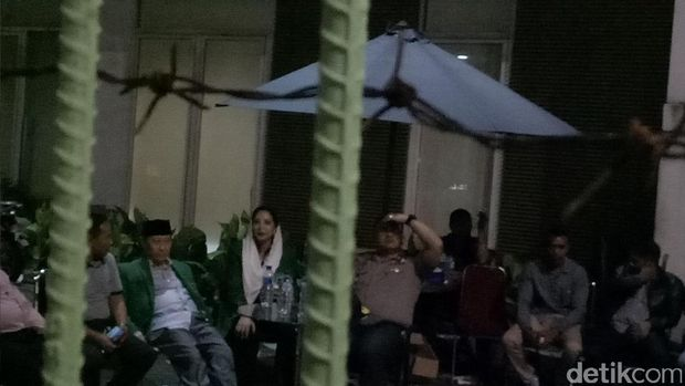 Waketum PPP kubu Djan Faridz, Humprey Djemat di kantor DPP PPP, Rabu (19/7/2017)