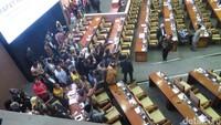 Sempat Rapat Konsolidasi Dadakan, Demokrat Kembali ke Paripurna