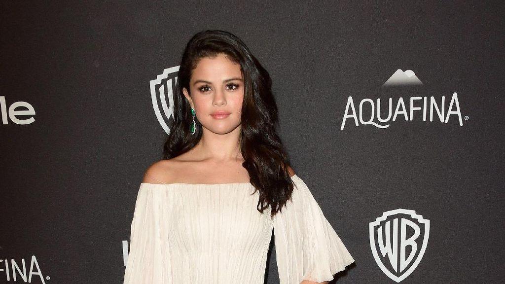 Selena Gomez Disebut Sebagai Perempuan yang Sanggup Ubah Dunia