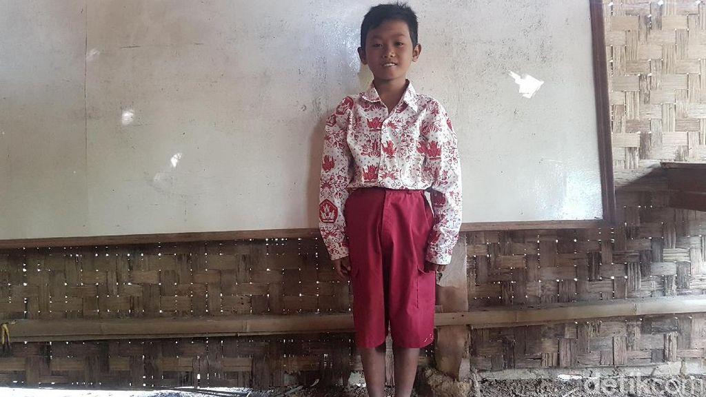 Kisah Asep, Siswa SD di Pandeglang yang Sekolah Berbekal Beras