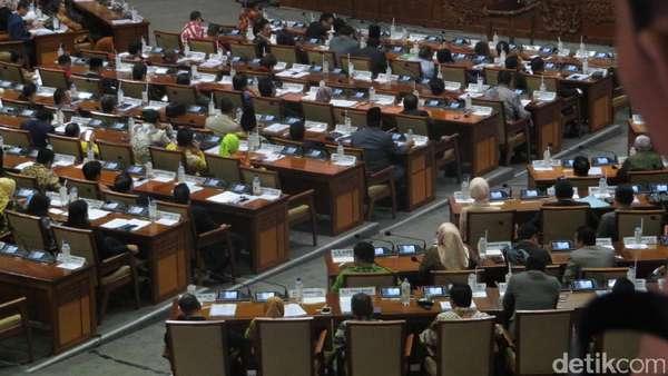 PDIP:  Putusan Paripurna Konstitusional, yang WO Silakan ke MK