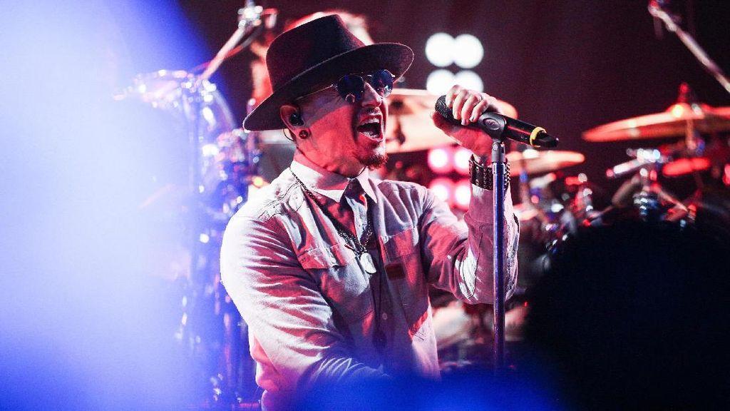 Duka Musisi Dunia Atas Kematian Chester Bennington