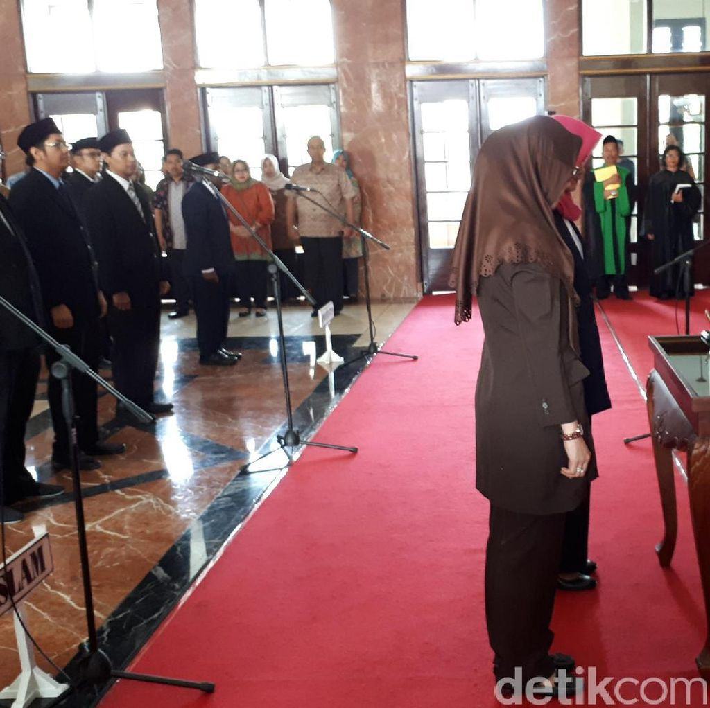 44 Pegawai Pemkot Surabaya Dimutasi, Risma: Tugas Saya Mendidik