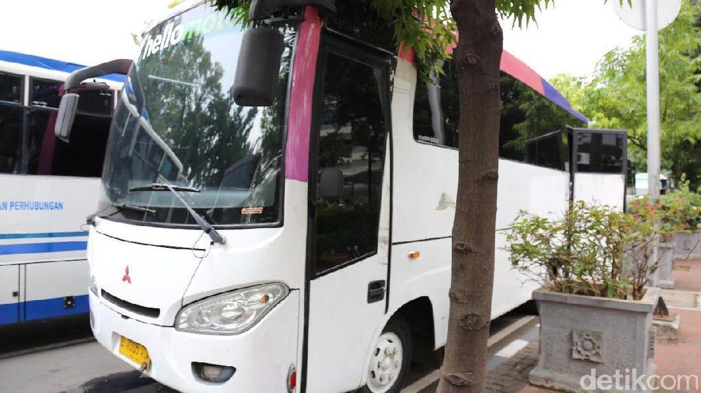 Pole Dance dan Wanita Bergoyang di Balik Penyitaan Bus Pesta VIP