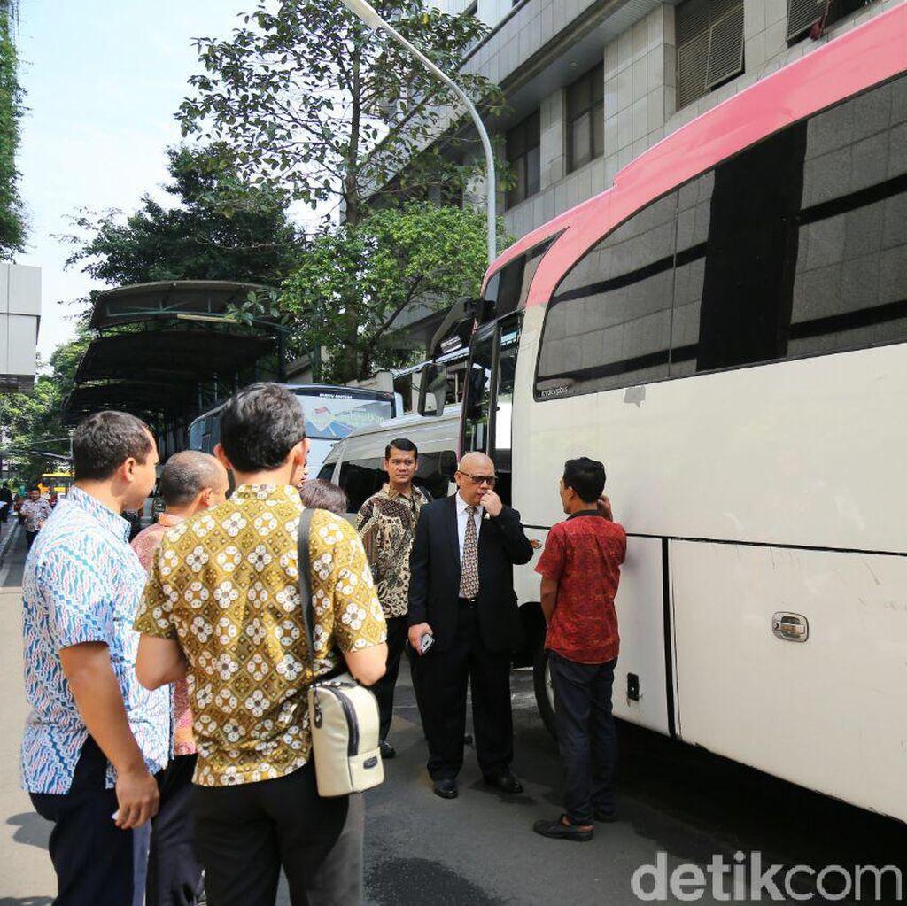 Menhub: Bus Pesta Royale VIP Kreatif Tapi Salahnya Tidak Berizin