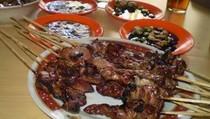 4 Tempat di Bandung Ini Punya Sate Kambing Empuk Juicy