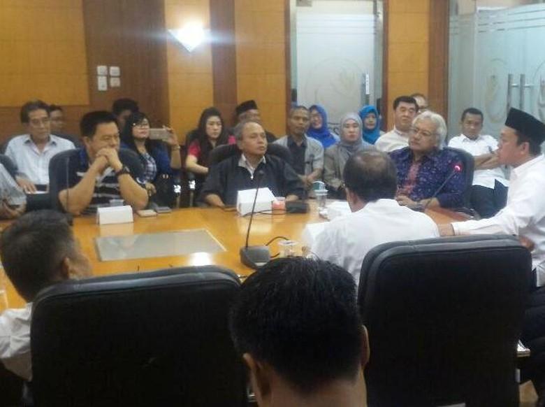 TKI Dirugikan Biaya Benahi Praktik - Jakarta Calon TKI masih sering dihantui oleh praktik jual beli job yang membebankan dari pihak Pasalnya seringkali pihak