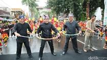 Diiringi Gerimis, Festival Memengan di Banyuwangi Tetap Meriah