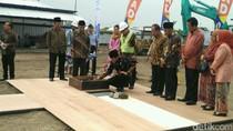 Momen Jokowi  Letakkan Batu Pertama Museum Muhammadiyah