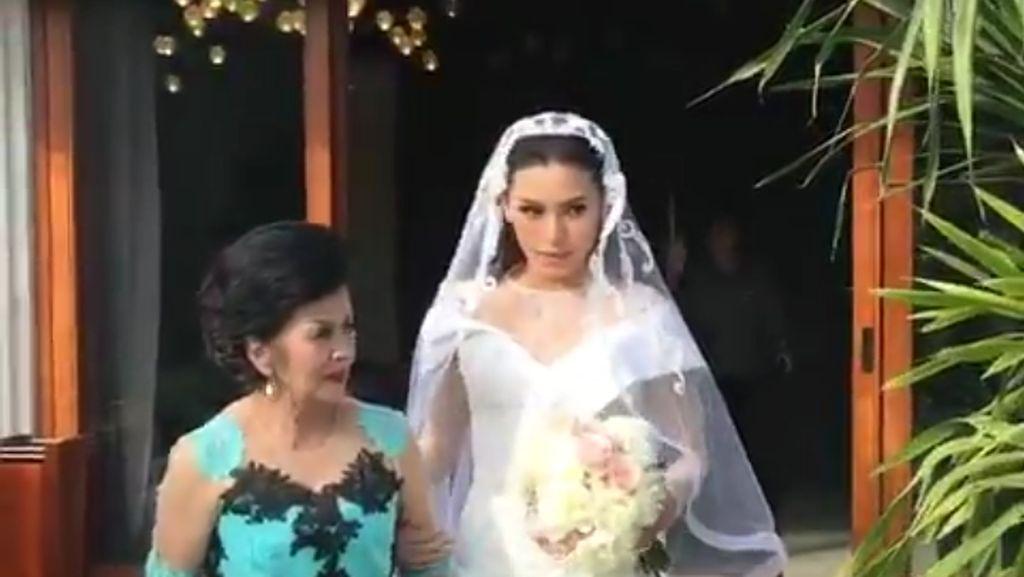 Happy Wedding! Sammy Simorangkir Akhirnya Resmi Akhiri Masa Janda Viviane