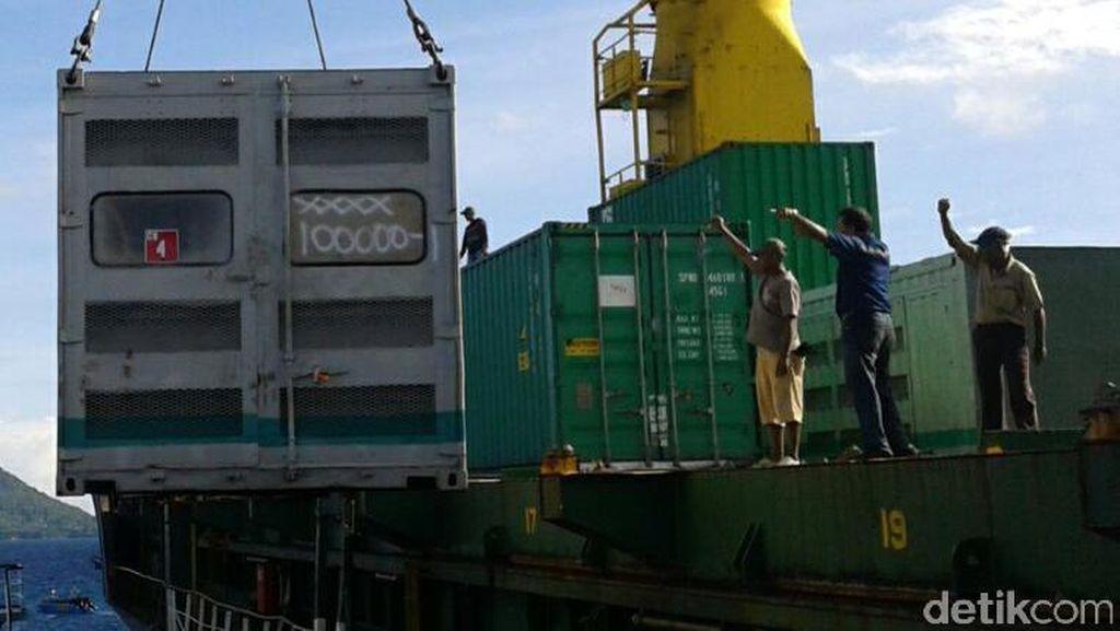 PLN Kirim 17 Genset ke Maluku Utara