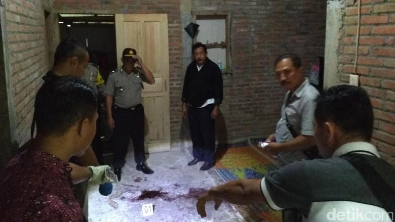 Dipastikan Tidak Suami yang Coba - Trenggalek Polisi akhirnya menahan seorang suami yang nekat melakukan percobaan pembunuhan terhadap istrinya sendiri di Desa Kecamatan Reskrim