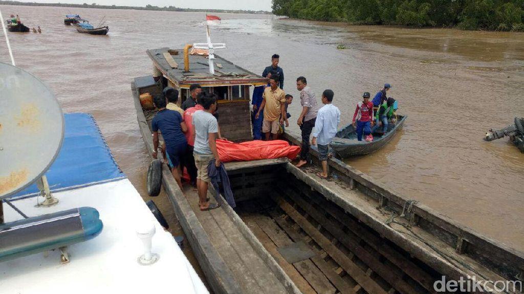 Tim SAR Temukan Jasad ABK yang Jatuh di Perairan Inhil Riau