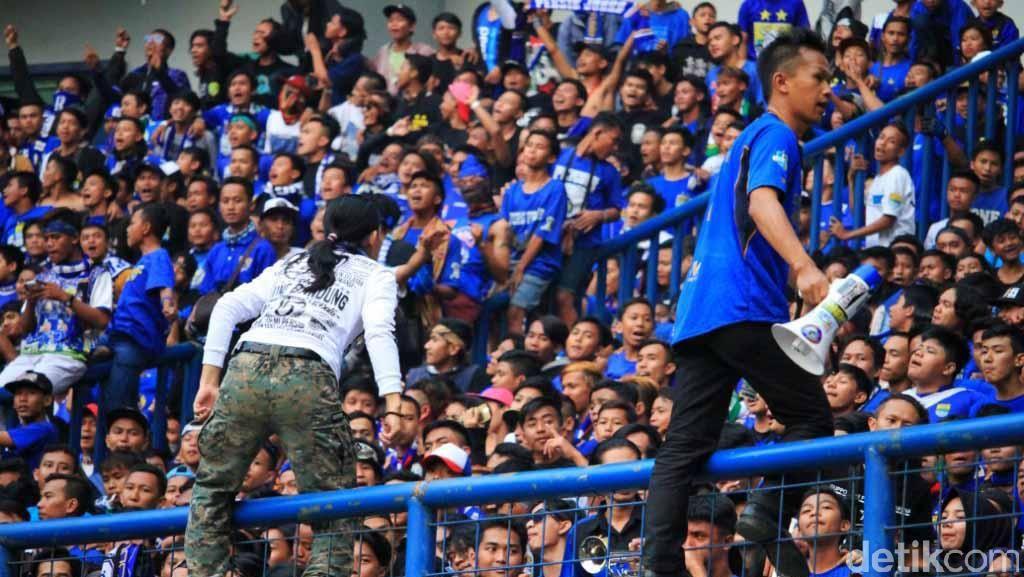 Persib vs Semen Padang, Bobotoh Jangan Bawa Flare!