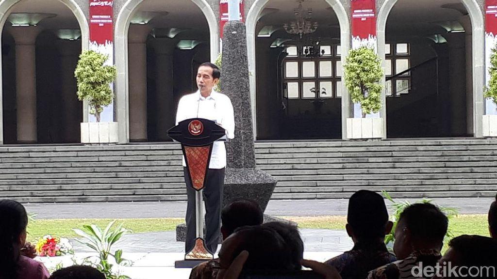 Buka Kongres IX di UGM, Jokowi: Bekali Semua Anak dengan Pancasila