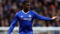 Usai Teken Kontrak Baru dengan Chelsea, Kurt Zouma Dipinjamkan ke Stoke