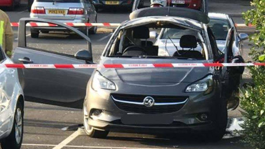 Pengharum Mobil, Bikin Mobil Ini Terbakar