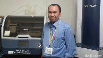 dr Ludhang Pradipta, Dokter dan Peneliti yang Doyan Berita Politik