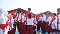 Foto: Main Ular Tangga Bareng Anak-anak, Pak Jokowi Girang Banget!