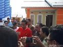 Lewat Facebook, Jokowi Pamer Rumah DP 1% di Riau