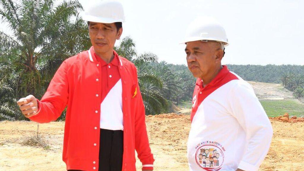 Jokowi Serahkan 6.000 Sertifikat Tanah untuk Warga Riau