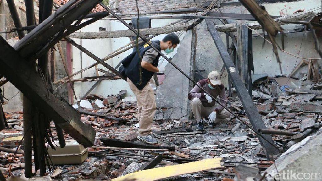 Tim Labfor Selidiki Ledakan yang Merusak 23 Rumah di Kebumen