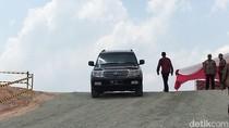 Jokowi Jajal Proyek Tol Pekanbaru-Dumai