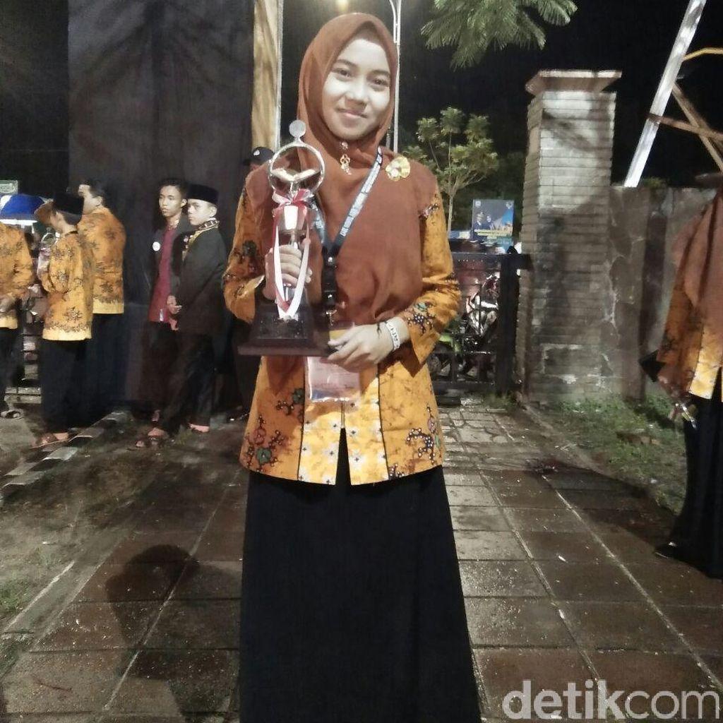 Kenalkan, Dara Manis dari Rembang ini Juara Nasional Tilawah Quran