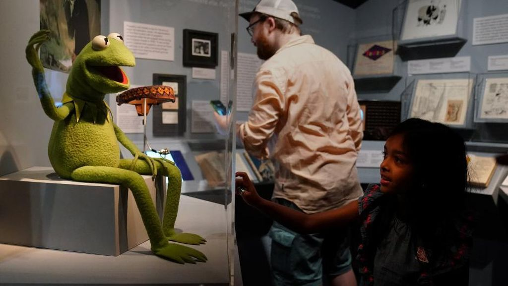 Elmo hingga Big Bird Sesame Street Dipajang di New York