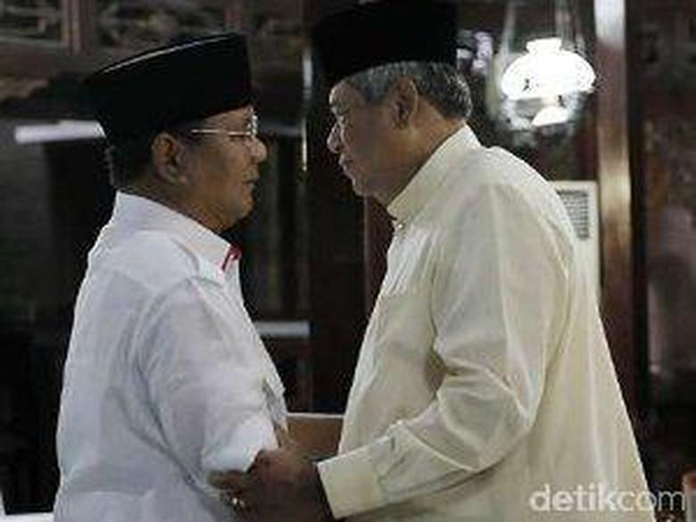 akan Bertemu Jajaki KMP Jilid - Jakarta Ketum Gerindra Prabowo Subianto dan Ketum Demokrat Susilo Bambang Yudhoyono akan bertemu di Jawa Wakil Sekjen Hanura